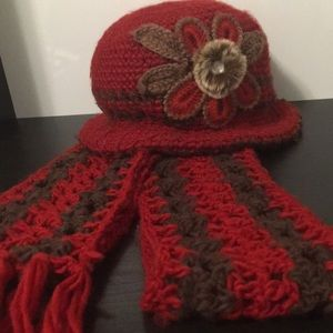 Accessories - Red hat and scarf